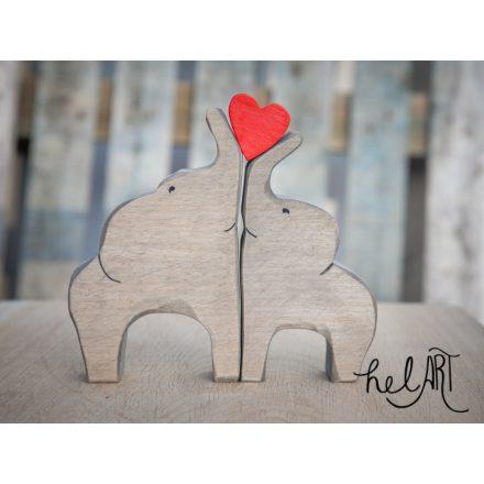 Elefántcsalád - mama és papa szívvel